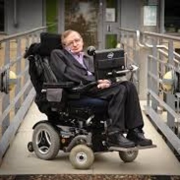 HAWKING  : ASTEROIDE INTERESTELAR  PODRÍA SER UNA NAVE  ALIEN .